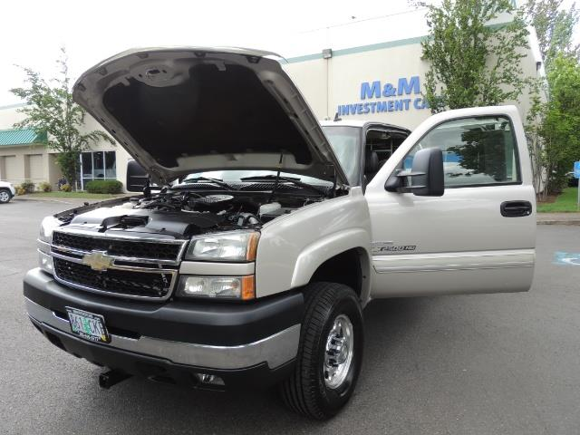 2006 Chevrolet Silverado 2500 LBZ 4X4 Long Bed 6.6L DURAMAX / Allison / 101K MLS - Photo 35 - Portland, OR 97217
