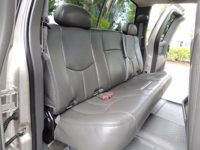2006 Chevrolet Silverado 2500 LBZ 4X4 Long Bed 6.6L DURAMAX / Allison / 101K MLS - Photo 16 - Portland, OR 97217