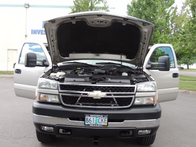 2006 Chevrolet Silverado 2500 LBZ 4X4 Long Bed 6.6L DURAMAX / Allison / 101K MLS - Photo 34 - Portland, OR 97217