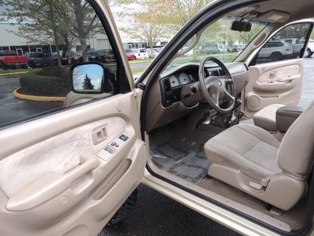 2003 Toyota Tacoma 2dr Xtracab V6 / SR5 / 4X4 / 5-SPEED MANUAL/LIFTED - Photo 13 - Portland, OR 97217