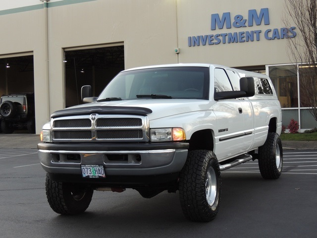 2001 Dodge Ram 2500 SLT Plus  4X4  Leather  V10  5SPEED  LIFTED