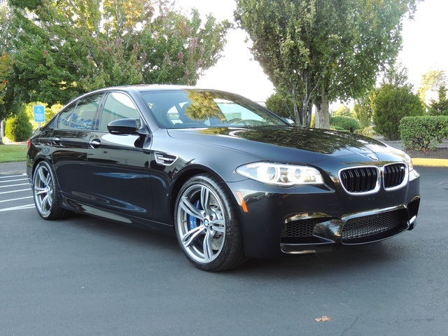 2014 bmw m5 twin turbo 8 cylinder with 560hp 3 8sec 0 60. Black Bedroom Furniture Sets. Home Design Ideas