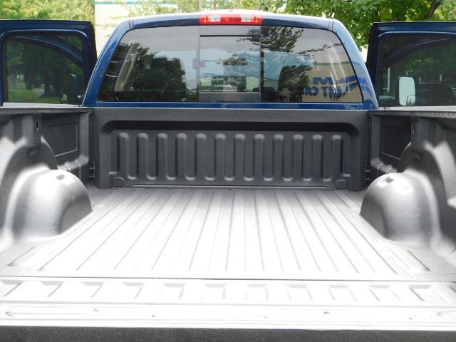 2007 Dodge Ram 2500 SLT BIG HORN EDITION / 4X4 / 5.9L DIESEL / 1-OWNER - Photo 22 - Portland, OR 97217