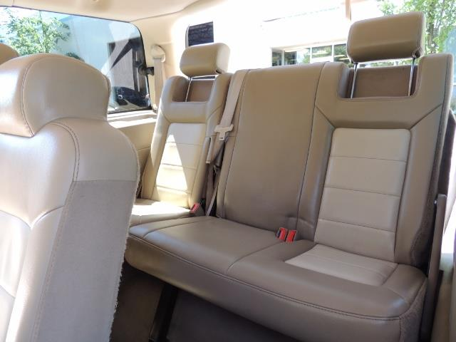 2006 Ford Expedition Eddie Bauer / Leather /Sunroof /DVD/Third Seat - Photo 16 - Portland, OR 97217