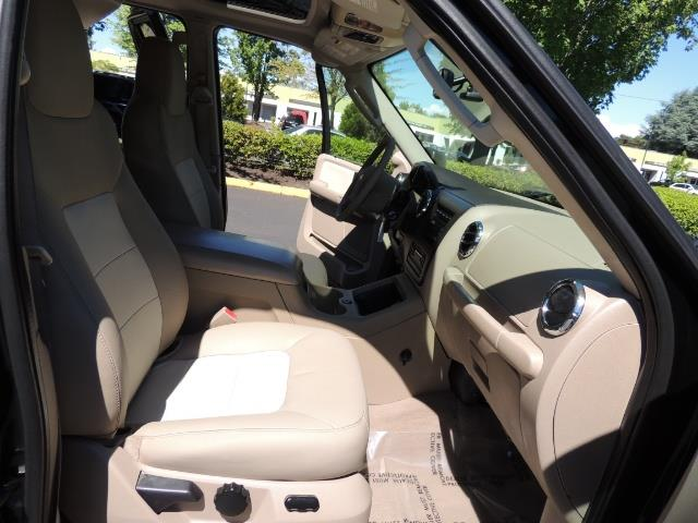 2006 Ford Expedition Eddie Bauer / Leather /Sunroof /DVD/Third Seat - Photo 18 - Portland, OR 97217