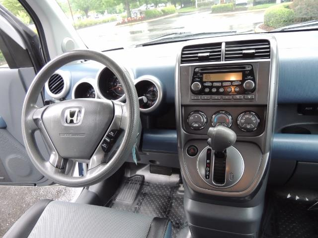 2005 Honda Element EX Sport Utility / ALL WHEEL DRIVE / SUN ROOF - Photo 35 - Portland, OR 97217