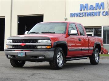 2000 Chevrolet Silverado 1500 Z71 4X4 / Extended Cab / 4-Door / Excellent Cond. Truck