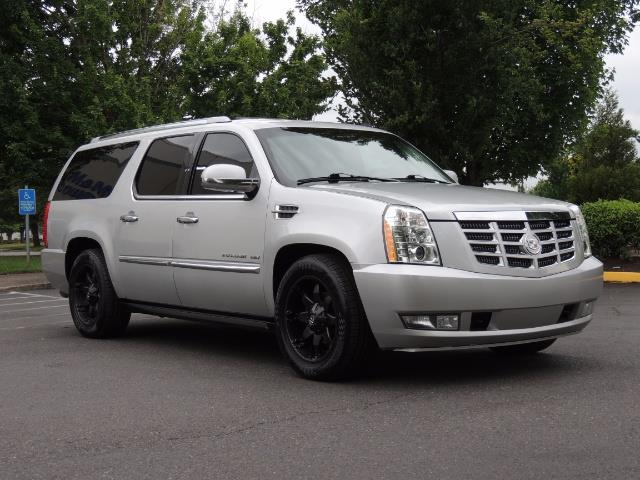 2010 Cadillac Escalade ESV Premium / AWD / DVD / Backup Camera / Excel Co - Photo 2 - Portland, OR 97217