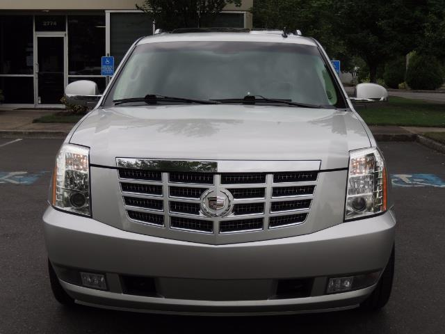 2010 Cadillac Escalade ESV Premium / AWD / DVD / Backup Camera / Excel Co - Photo 5 - Portland, OR 97217