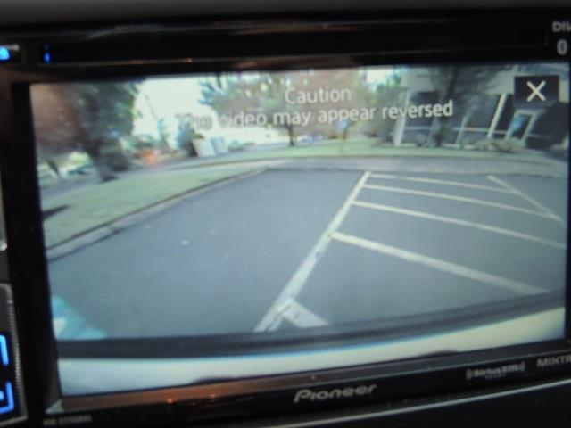 2010 Cadillac Escalade ESV Premium / AWD / DVD / Backup Camera / Excel Co - Photo 19 - Portland, OR 97217