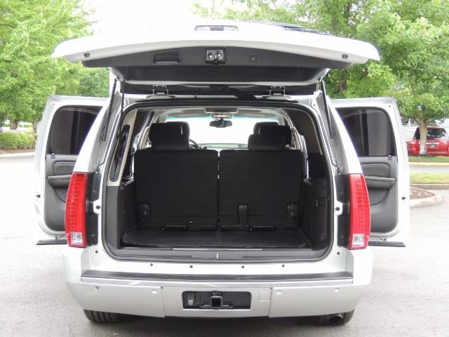 2010 Cadillac Escalade ESV Premium / AWD / DVD / Backup Camera / Excel Co - Photo 28 - Portland, OR 97217