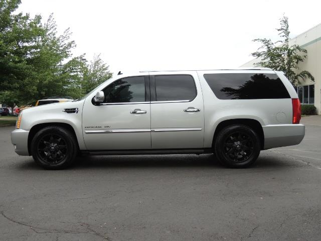 2010 Cadillac Escalade ESV Premium / AWD / DVD / Backup Camera / Excel Co - Photo 3 - Portland, OR 97217