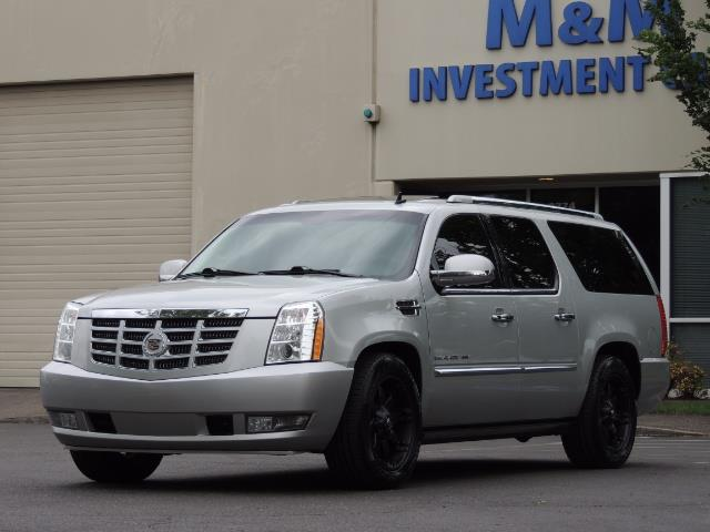 2010 Cadillac Escalade ESV Premium / AWD / DVD / Backup Camera / Excel Co - Photo 47 - Portland, OR 97217