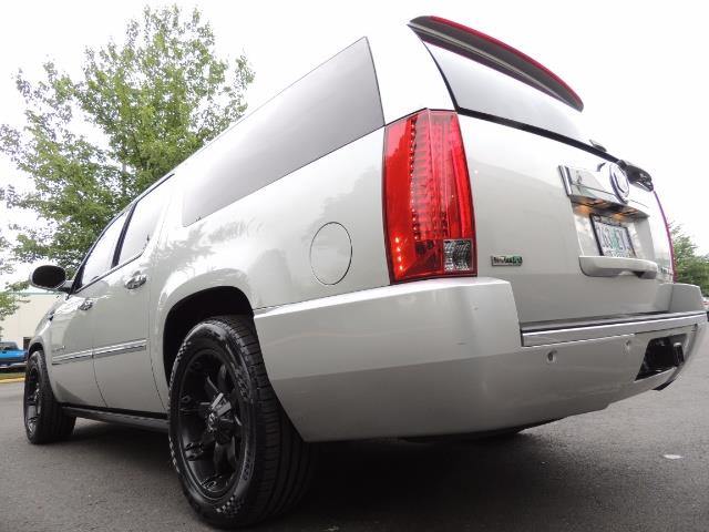 2010 Cadillac Escalade ESV Premium / AWD / DVD / Backup Camera / Excel Co - Photo 50 - Portland, OR 97217