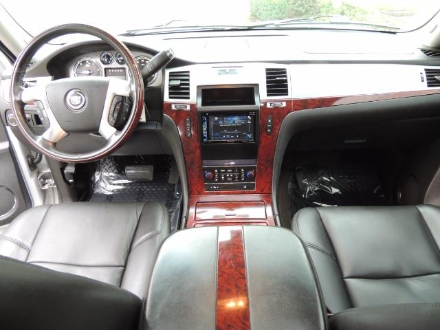 2010 Cadillac Escalade ESV Premium / AWD / DVD / Backup Camera / Excel Co - Photo 17 - Portland, OR 97217
