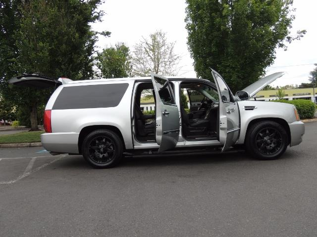 2010 Cadillac Escalade ESV Premium / AWD / DVD / Backup Camera / Excel Co - Photo 30 - Portland, OR 97217