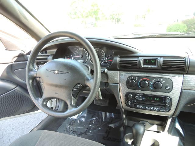 2004 Chrysler Sebring Touring / Convertible / ONly 74K MILES - Photo 21 - Portland, OR 97217