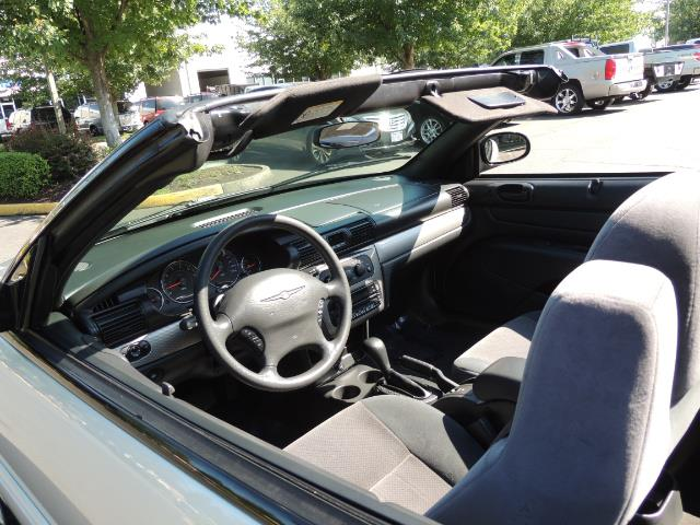 2004 Chrysler Sebring Touring / Convertible / ONly 74K MILES - Photo 14 - Portland, OR 97217