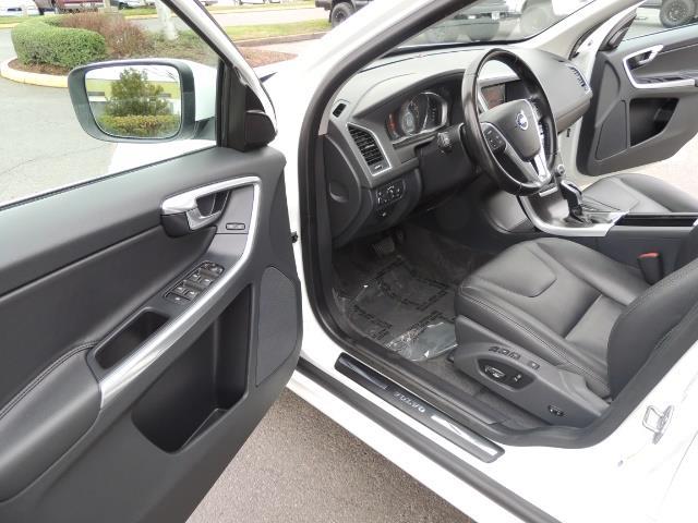 2016 Volvo XC60 T5 Premier / AWD / Leather / Navi / Pano Sunroof - Photo 13 - Portland, OR 97217