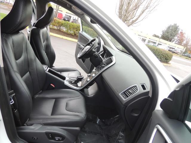 2016 Volvo XC60 T5 Premier / AWD / Leather / Navi / Pano Sunroof - Photo 17 - Portland, OR 97217