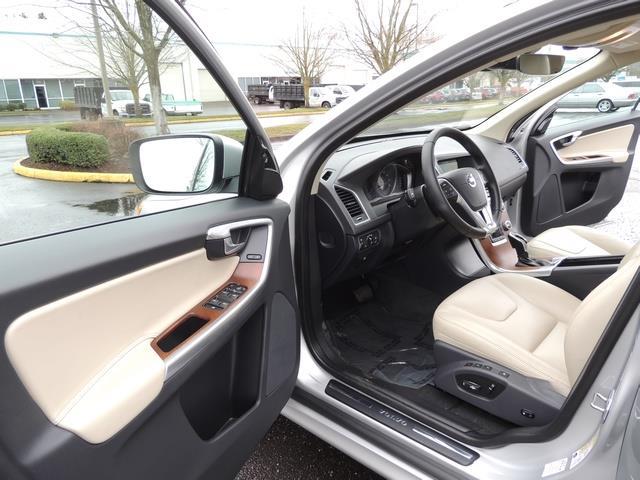 2017 Volvo XC60 T5 Inscription / Navigation / Bckup camera / BLIS - Photo 13 - Portland, OR 97217