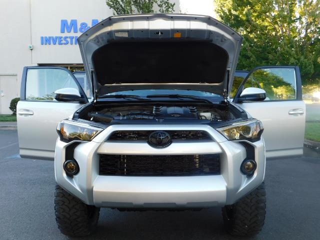 2016 Toyota 4Runner SR5 / 4WD / THIRD SEAT / LIFTED LIFTED - Photo 32 - Portland, OR 97217