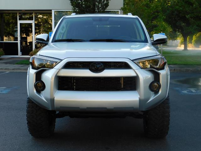 2016 Toyota 4Runner SR5 / 4WD / THIRD SEAT / LIFTED LIFTED - Photo 5 - Portland, OR 97217