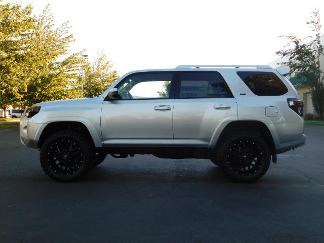 2016 Toyota 4Runner SR5 / 4WD / THIRD SEAT / LIFTED LIFTED - Photo 3 - Portland, OR 97217