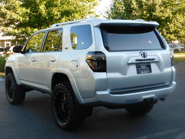 2016 Toyota 4Runner SR5 / 4WD / THIRD SEAT / LIFTED LIFTED - Photo 7 - Portland, OR 97217