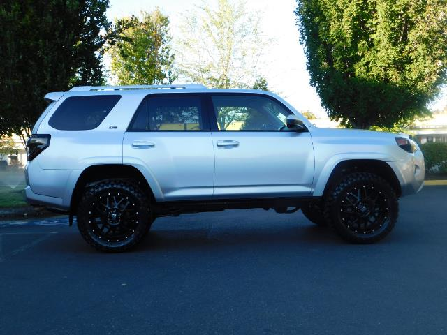 2016 Toyota 4Runner SR5 / 4WD / THIRD SEAT / LIFTED LIFTED - Photo 4 - Portland, OR 97217