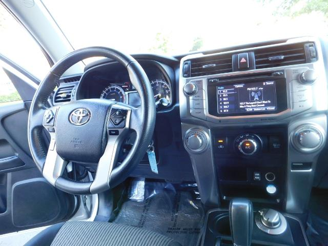 2016 Toyota 4Runner SR5 / 4WD / THIRD SEAT / LIFTED LIFTED - Photo 20 - Portland, OR 97217