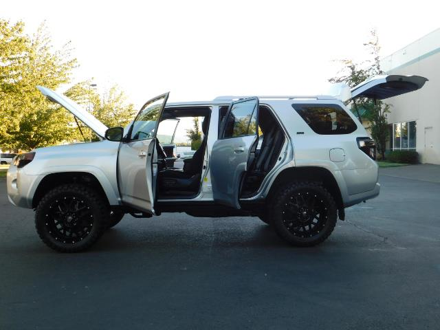 2016 Toyota 4Runner SR5 / 4WD / THIRD SEAT / LIFTED LIFTED - Photo 26 - Portland, OR 97217