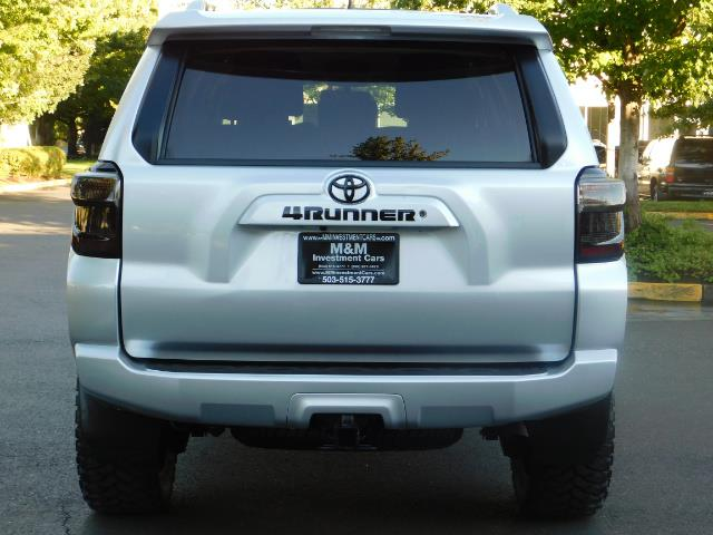 2016 Toyota 4Runner SR5 / 4WD / THIRD SEAT / LIFTED LIFTED - Photo 6 - Portland, OR 97217