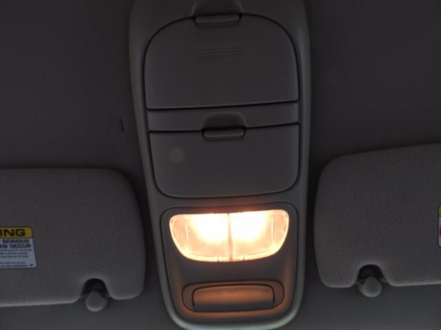 2000 Dodge Dakota SLT 4X4 V8 / CUSTOM BUMPER /  WINCH / LOW MILES !! - Photo 31 - Portland, OR 97217