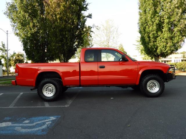 2000 Dodge Dakota SLT 4X4 V8 / CUSTOM BUMPER /  WINCH / LOW MILES !! - Photo 4 - Portland, OR 97217