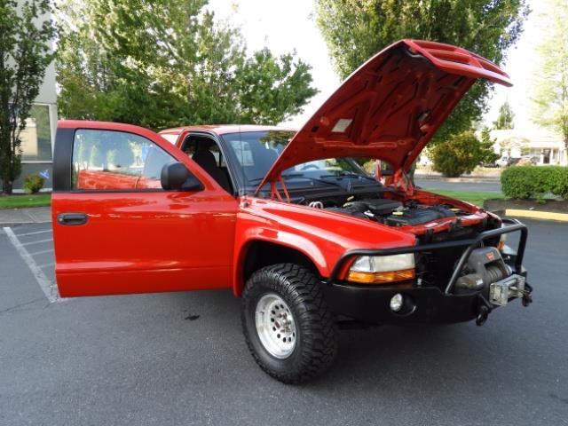2000 Dodge Dakota SLT 4X4 V8 / CUSTOM BUMPER /  WINCH / LOW MILES !! - Photo 39 - Portland, OR 97217