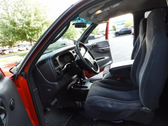 2000 Dodge Dakota SLT 4X4 V8 / CUSTOM BUMPER /  WINCH / LOW MILES !! - Photo 28 - Portland, OR 97217