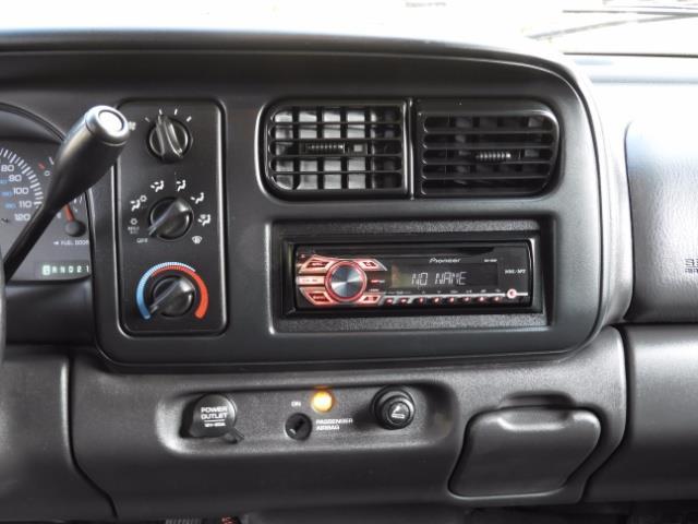2000 Dodge Dakota SLT 4X4 V8 / CUSTOM BUMPER /  WINCH / LOW MILES !! - Photo 19 - Portland, OR 97217