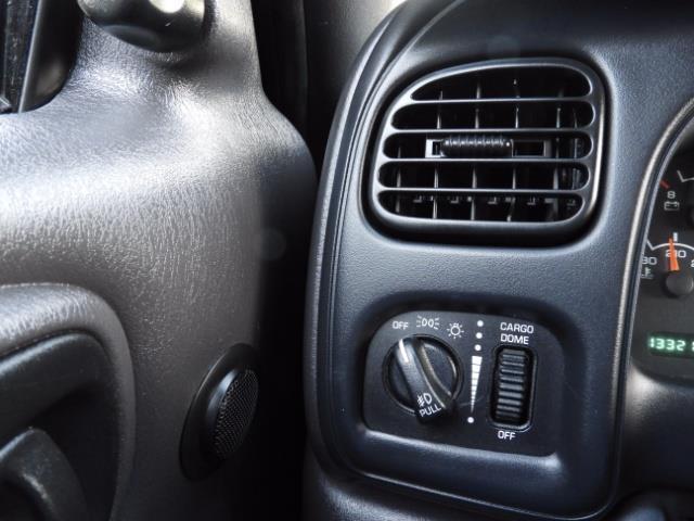 2000 Dodge Dakota SLT 4X4 V8 / CUSTOM BUMPER /  WINCH / LOW MILES !! - Photo 34 - Portland, OR 97217