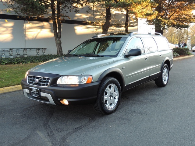 2006 Volvo XC70 AWD Wagon / Leather/ Moonroof/ Excel Cond