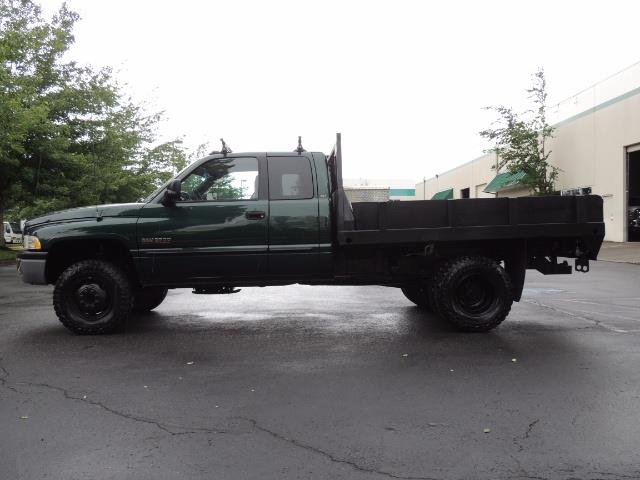2001 Dodge Ram 3500 SLT Plus 4dr / 4X4 / 5.9L DIESEL/ 5-SPEED / DUALLY - Photo 3 - Portland, OR 97217