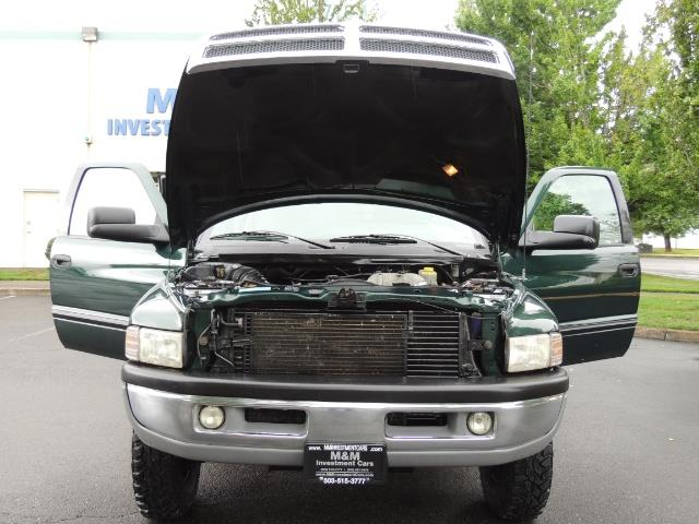 2001 Dodge Ram 3500 SLT Plus 4dr / 4X4 / 5.9L DIESEL/ 5-SPEED / DUALLY - Photo 31 - Portland, OR 97217