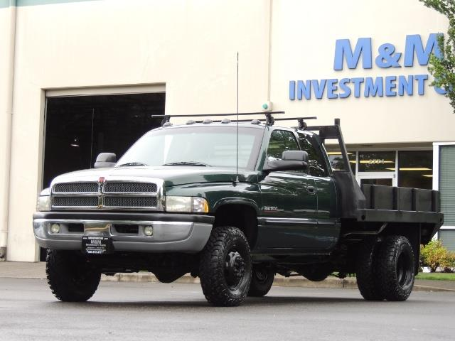 2001 Dodge Ram 3500 SLT Plus 4dr / 4X4 / 5.9L DIESEL/ 5-SPEED / DUALLY - Photo 1 - Portland, OR 97217