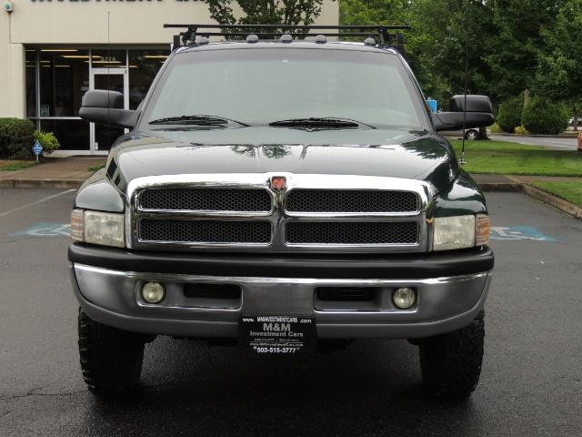 2001 Dodge Ram 3500 SLT Plus 4dr / 4X4 / 5.9L DIESEL/ 5-SPEED / DUALLY - Photo 5 - Portland, OR 97217