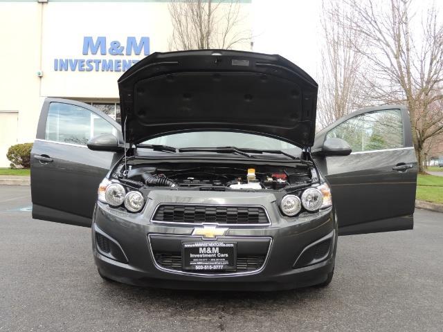 2016 Chevrolet Sonic LT Auto / 4-Door Hatch Back / 1-OWNER / 5000 MILES - Photo 32 - Portland, OR 97217