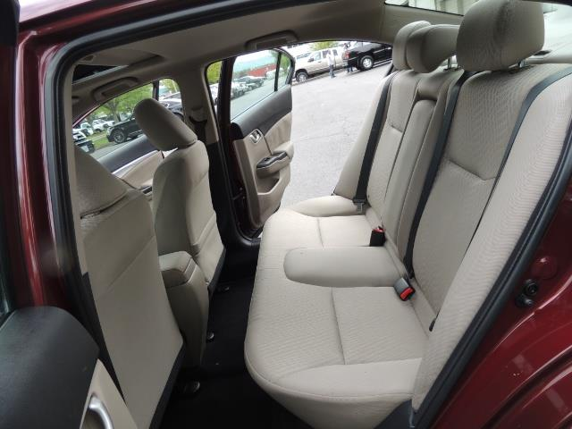 2015 Honda Civic EX / 4DR / Backup Cam / Sunroof / 1-Owner - Photo 15 - Portland, OR 97217