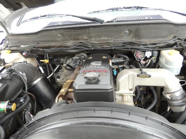 2006 Dodge Ram 2500 SLT / 4x4 / 5.9L Cummins Diesel / High Output - Photo 31 - Portland, OR 97217