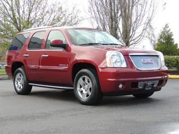2008 GMC Yukon Denali / AWD / Third Seat / Navigation / Sunroof SUV