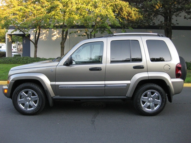 2007 jeep liberty limited 4wd moonroof excellent cond. Black Bedroom Furniture Sets. Home Design Ideas