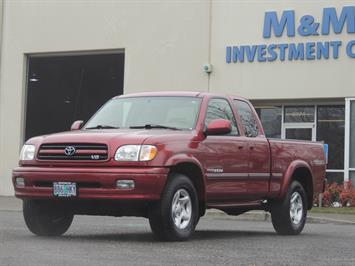 2001 Toyota Tundra Limited 4dr Access Cab Limited V8 / 4X4/ 83K MILES Truck